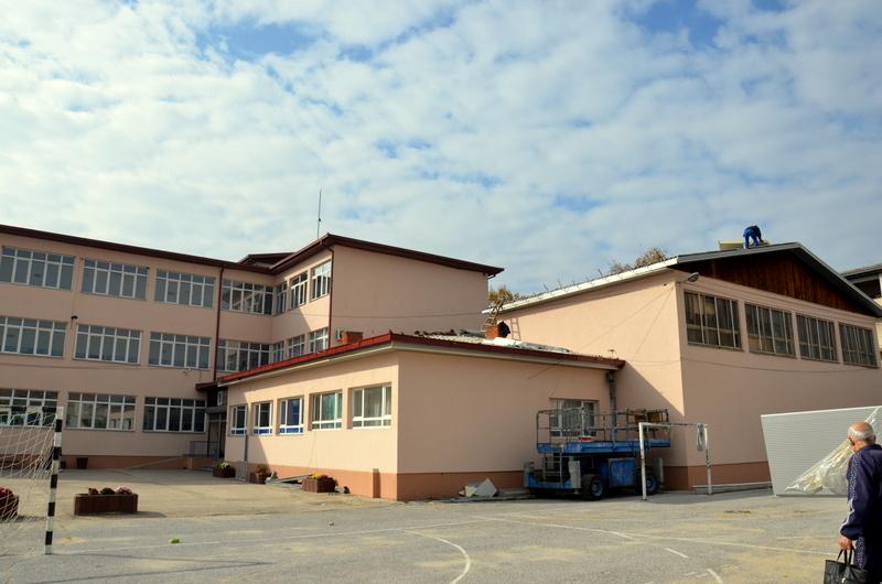 Во тек се градежни активности во дел од основните училишта
