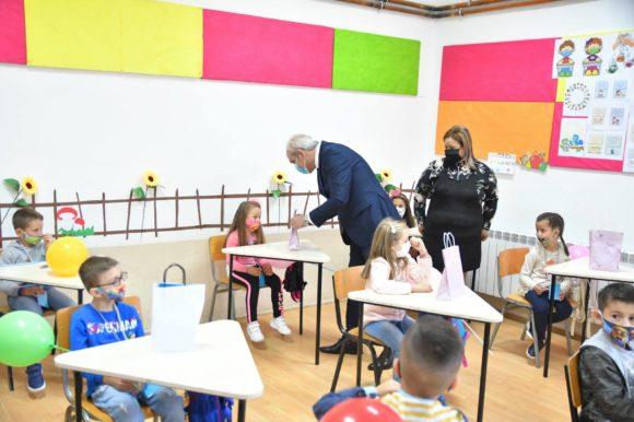 Честитка од градоначалникот Јаневски по повод Светскиот ден на детето
