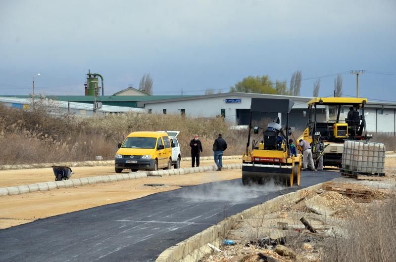 Денеска се асфалтира во индустриската зона блок 9
