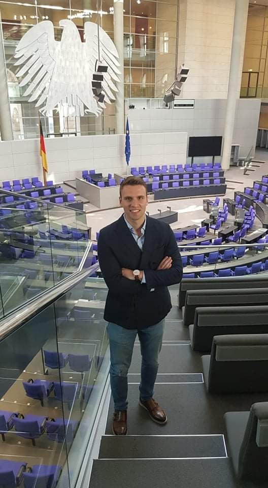 Градоначалникот Јаневски го назначи Александар Милушев за службеник за млади на општина Струмица